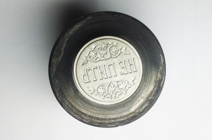 клише с рисунком для монеты