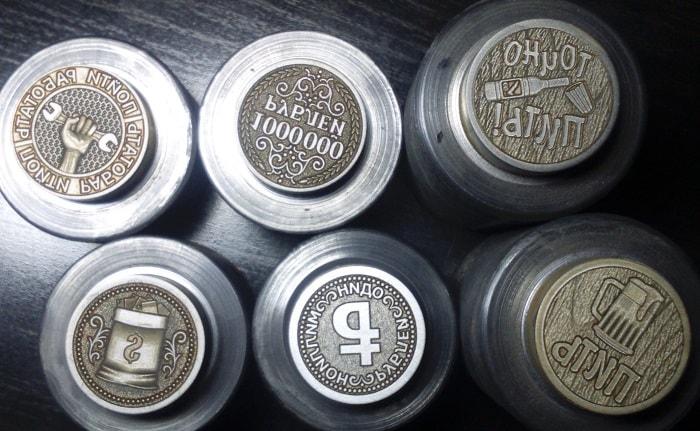 монета чеканка клише